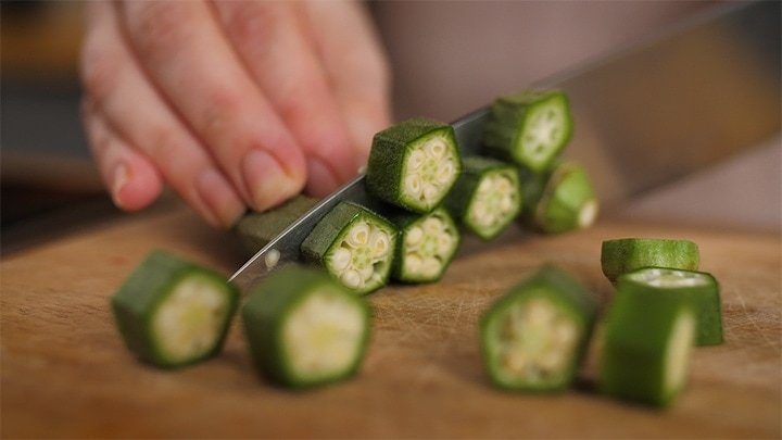 Close up image of slicing okra