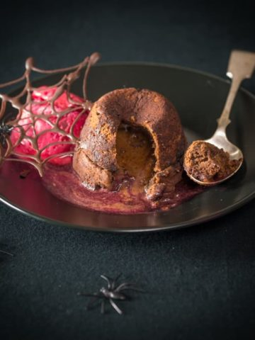 Halloween chocolate cherry fondant - A spooky Halloween treat for us grown ups!