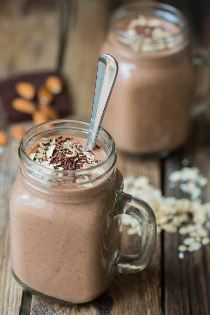 Oaty Chocolate hot smoothie - a quick and healthy hot smoothie for a cold day