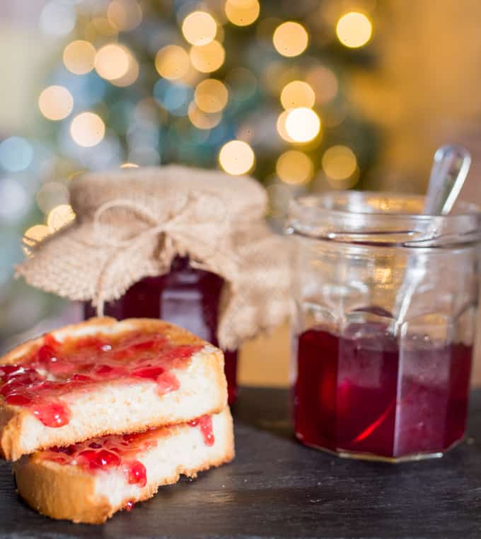 Mulled Cranberry Jelly - Christmas Flavours on Toast!