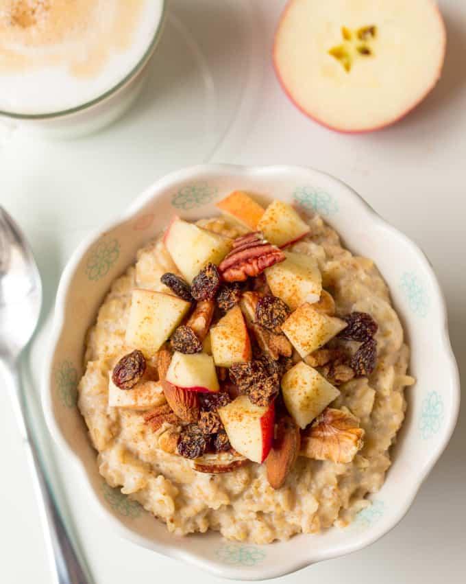 Fruit and nut porridge