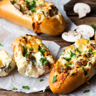 15 minute Creamy Garlic & Mushroom Stuffed Bread