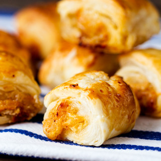 Vegetarian Sausage Rolls That Meat-Eaters Love Too!