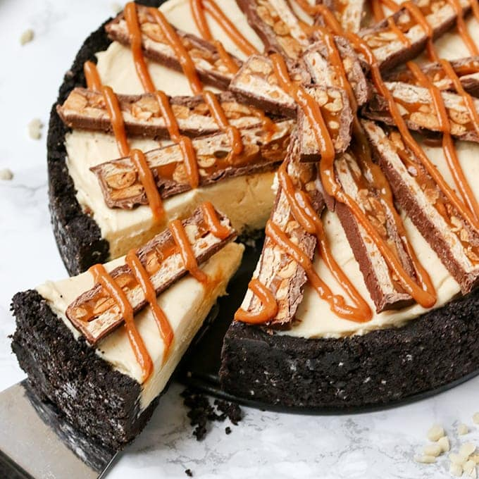 No-bake Peanut butter and Snickers cheesecake - so rich and creamy!