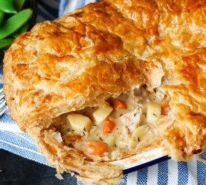 Creamy chicken pot pie nickys kitchen sanctuary forumfinder Images