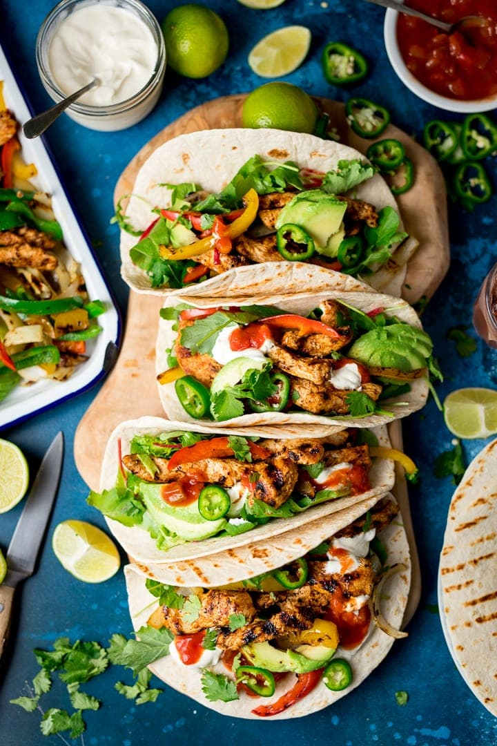 This chicken fajita sharing platter is perfect the perfect alternative to a Friday night takeout!
