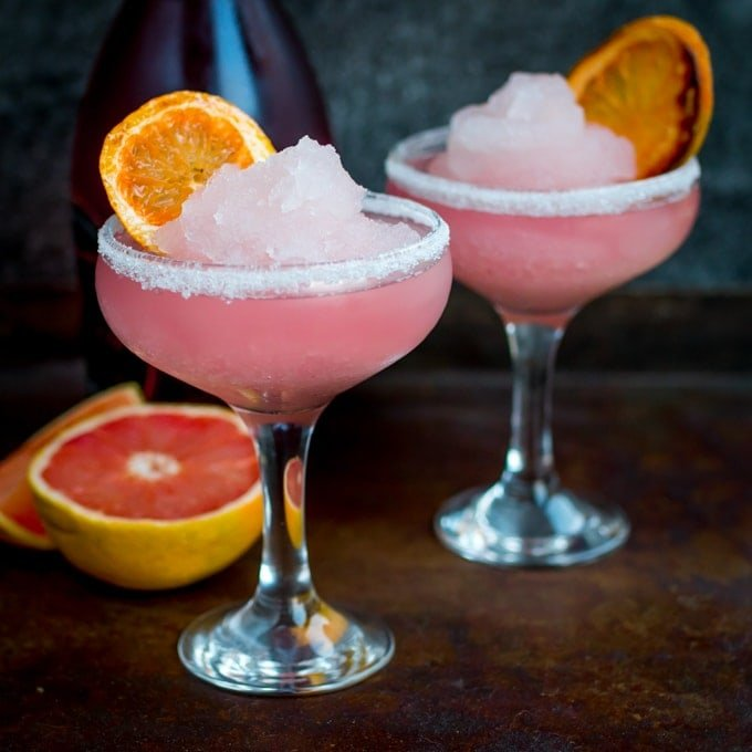 Frozen Pink Grapefruit Prosecco Cocktail - A pretty, cooling drink to kick off Spring! It's like a slush puppie for grown ups...
