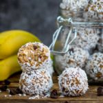 These no-bake Banana Bread Energy Balls are packed with delicious goodies. Perfect for breakfast on the run! Gluten free too!