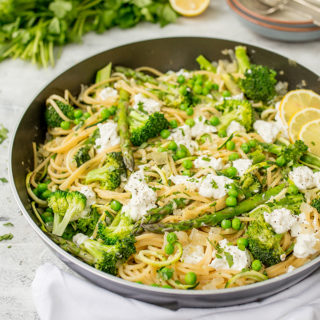 One-pot garlic and herb spaghetti with courgetti